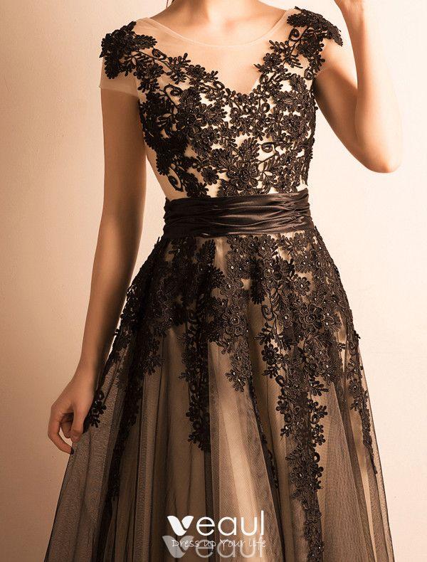 Elegant Evening Dresses 2017 Scoop Neckline Applique Black Lace With Ruffle Sash Long Dress