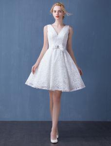 2016 Tiefem V-ausschnitt Rückenfrei Weißer Spitze Kurzen Hochzeitskleid Brautkleid Mit Schärpe