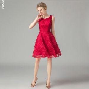 czerwone sukienki koronkowe