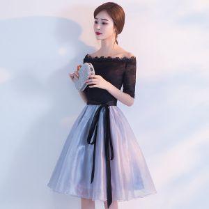 Piękne Homecoming Sukienki Na Studniówke 2017 Czarne Błękitne Princessa Długość do kolan Przy Ramieniu Bez Pleców 1/2 Rękawy Szarfa Koronkowe Sukienki Wizytowe