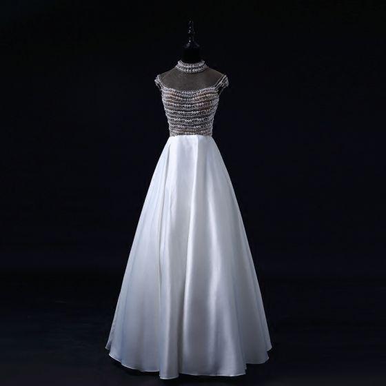 Luxus / Herrlich Perle Ballkleider 2017 Stehkragen Perlenstickerei Kristall Rückenfreies Weiß Satin Festliche Kleider