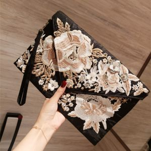 Vintage / Retro Black Embroidered Clutch Bags 2018