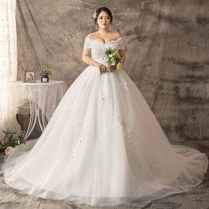 Mode Weiß Übergröße Brautkleider / Hochzeitskleider 2019 Spitze Tülle Applikationen Rückenfreies Perlenstickerei Strass Kapelle-Schleppe Hochzeit