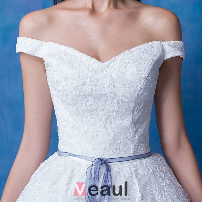 2016 A-line Off The Shoulder Square Neckline Applique Lace Organza Wedding Dress With Long Tailing