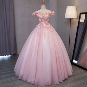 Śliczny Rumieniąc Różowy Sukienki Na Bal 2017 Suknia Balowa Przy Ramieniu Kótkie Rękawy Z Koronki Aplikacje Kwiat Perła Długie Wzburzyć Bez Pleców Sukienki Wizytowe