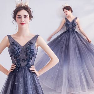 Charming Navy Blue Evening Dresses  2020 A-Line / Princess V-Neck Glitter Beading Sequins Lace Flower Sleeveless Backless Floor-Length / Long Formal Dresses