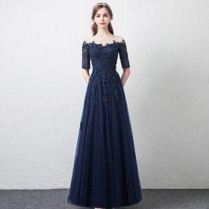 Moderne / Mode Bleu Marine Transparentes Robe De Bal 2018 Princesse Encolure Dégagée 1/2 Manches Appliques En Dentelle Perlage Longue Volants Robe De Ceremonie