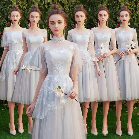 Niedrogie Szary Sukienki Dla Druhen 2019 Princessa Aplikacje Z Koronki Krótkie Wzburzyć Bez Pleców Sukienki Na Wesele