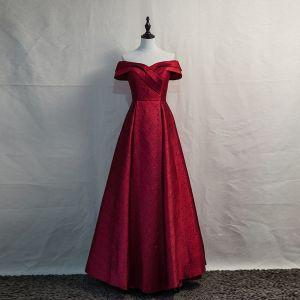 Eleganta Burgundy Aftonklänningar 2020 Prinsessa Av Axeln Korta ärm Halterneck Långa Formella Klänningar