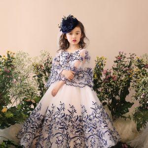 Schöne Kirche Kleider Für Hochzeit 2017 Mädchenkleider Weiß Ballkleid Lange Rundhalsausschnitt Lange Ärmel Stoffgürtel Applikationen Blumen