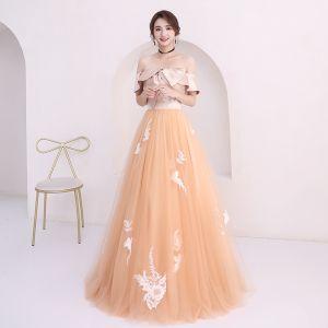 Niedrogie Szampan Sukienki Na Bal 2018 Princessa Przy Ramieniu Kótkie Rękawy Aplikacje Z Koronki Długie Wzburzyć Bez Pleców Sukienki Wizytowe