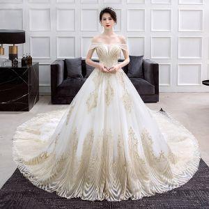 Luksusowe Złote Kość Słoniowa Suknie Ślubne 2018 Suknia Balowa Przy Ramieniu Kótkie Rękawy Bez Pleców Cekinami Cekiny Perła Frezowanie Wzburzyć Trenem Katedra