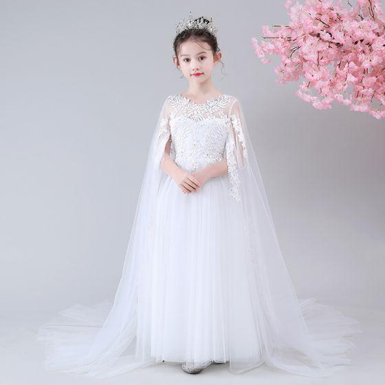 Chic / Belle Blanche Transparentes Robe Ceremonie Fille 2020 Princesse Encolure Dégagée Sans Manches Appliques En Dentelle Perlage Watteau Train Volants