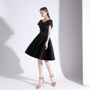Classy Black Homecoming Graduation Dresses 2020 A-Line / Princess V-Neck Short Sleeve Backless Knee-Length Formal Dresses