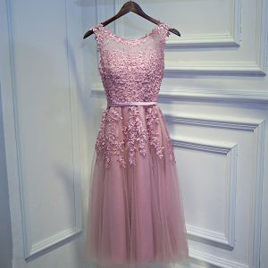 Modest / Simple Candy Pink Bridesmaid Dresses 2017 A-Line / Princess Lace Flower Beading Scoop Neck Sleeveless Short Wedding Party Dresses