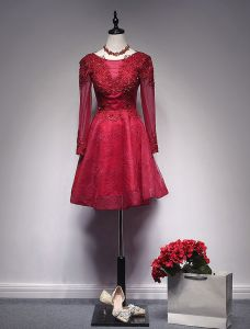 Burgundy Short Cocktail Dress With Long Sleeves A-line Lace Party Dress Beaded