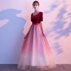 Rimelig Burgunder Gradient-Farge Suede Selskapskjoler 2020 Prinsesse Firkantet Hals 1/2 Ermer Sash Glitter Tyll Lange Buste Formelle Kjoler