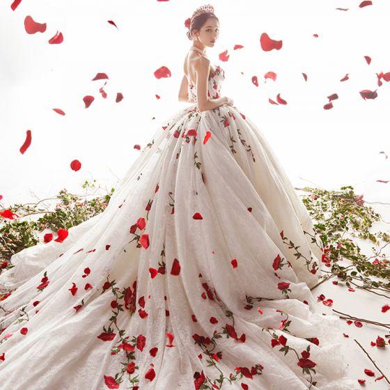 Hada de las flores Marfil Rosa Boda Vestidos De Novia 2021 Ball Gown Sweetheart Sin Mangas Sin Espalda Apliques Con Encaje Flor Rebordear Cathedral Train Ruffle