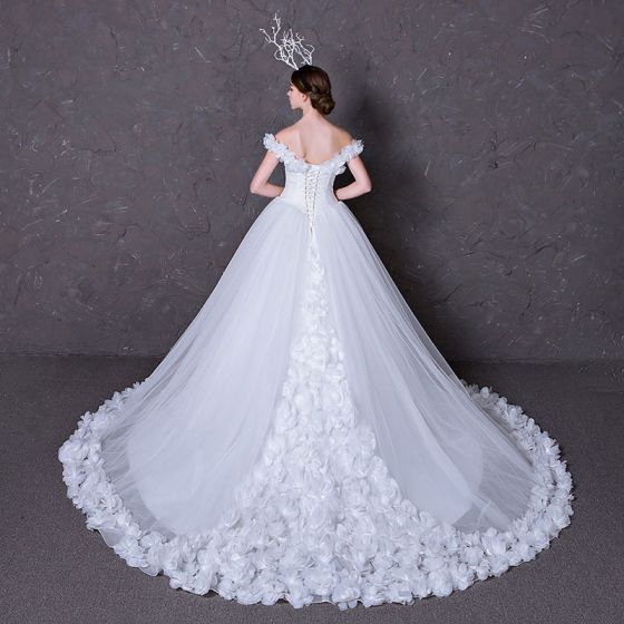 Chic / Beautiful Flower Wedding Dresses 2017 Off-The-Shoulder Outdoor / Garden White Ball Gown