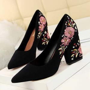 Vintage / Retro Black Casual Embroidered Pumps 2020 Suede 8 cm Thick Heels Pointed Toe Pumps