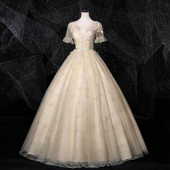 Eleganckie Bajka Szampan Sukienki Na Bal 2020 Suknia Balowa Wycięciem Rhinestone Z Koronki Kwiat Aplikacje Kótkie Rękawy Bez Pleców Długie Sukienki Wizytowe