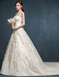 2015 Brauthinter Große Yards Blumen Hochzeitskleid Brautkleider
