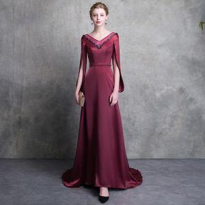 Mode Burgunderrot Abendkleider 2018 A Linie V-Ausschnitt Unique Lange Ärmel Perlenstickerei Stoffgürtel Hof-Schleppe Rückenfreies Festliche Kleider