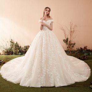 Piękne Szampan Suknie Ślubne 2019 Princessa Przy Ramieniu Kótkie Rękawy Bez Pleców Aplikacje Z Koronki Perła Trenem Kaplica Wzburzyć