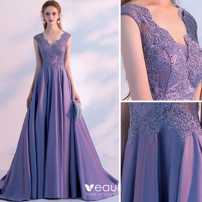 Chic Beautiful Lavender Evening Dresses 2018 A Line Princess Beading Lace Flower V Neck Sleeveless Sweep Train Formal Dresses