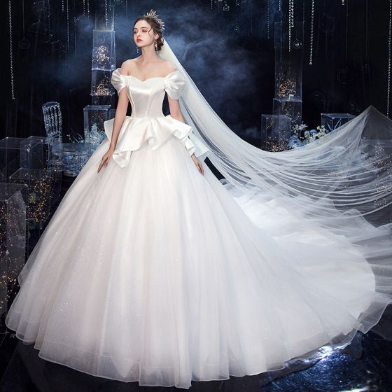 Vintage / Retro White Bridal Wedding Dresses 2020 Ball Gown Off-The-Shoulder Short Sleeve Backless Glitter Tulle Cathedral Train Ruffle