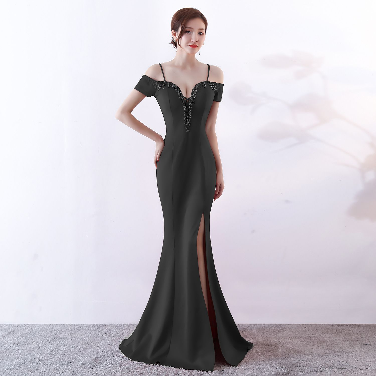 Chic / Beautiful Solid Color Ivory Evening Dresses  2019 Trumpet / Mermaid Spaghetti Straps Beading Tassel Sleeveless Backless Split Front Floor-Length / Long Formal Dresses