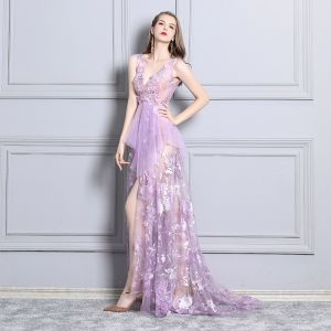 Sexy Lilas Robe De Cocktail 2019 Transparentes En Dentelle Faux Diamant V-Cou Sans Manches Dos Nu Train De Balayage Robe De Ceremonie