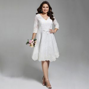 Chic / Beautiful White Short Plus Size Wedding Dresses 2020 A-Line / Princess V-Neck 1/2 Sleeves Appliques Embroidered Handmade  Wedding