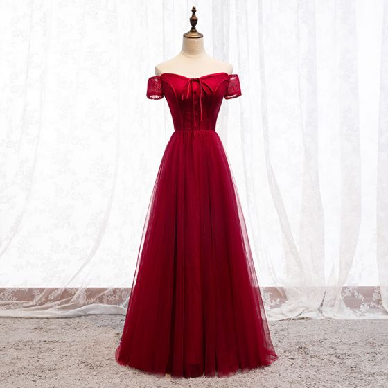 Chic / Beautiful Burgundy Evening Dresses  2019 A-Line / Princess Off-The-Shoulder Bow Lace Short Sleeve Backless Floor-Length / Long Formal Dresses