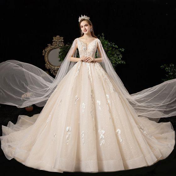 Luksusowe Szampan Suknie Ślubne 2020 Princessa V-Szyja Frezowanie Cekiny Perła Kryształ Z Koronki Kwiat Kótkie Rękawy Bez Pleców Trenem Katedra
