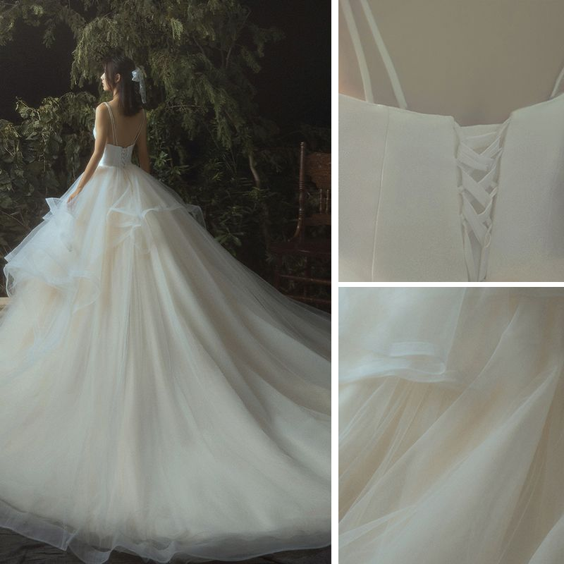Elegante Champagner Brautkleider / Hochzeitskleider 2019 Ballkleid Fallende Rüsche Spaghettiträger Ärmellos Rückenfreies Königliche Schleppe