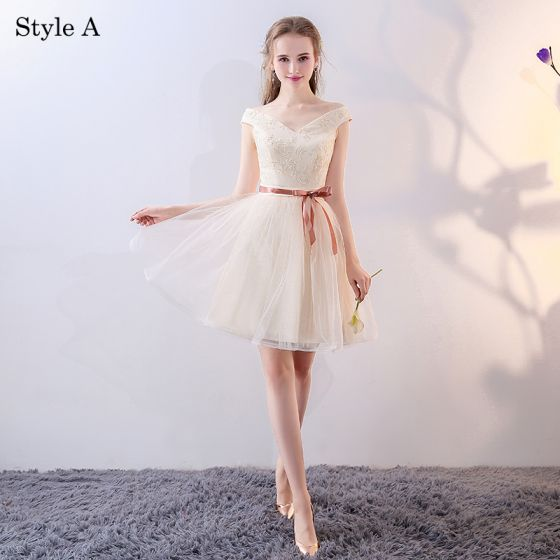 Chic / Beautiful Champagne Bridesmaid Dresses 2018 A-Line / Princess Bow Lace Sleeveless Backless Short Wedding Party Dresses