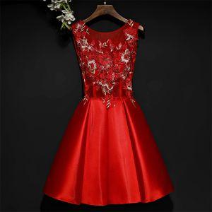 Schöne Rot Festliche Kleider Abendkleider 2017 Mit Spitze Blumen Kurze Rundhalsausschnitt Ärmellos Ballkleid