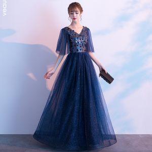 Rimelig Mørk Marineblå Selskapskjoler 2019 Prinsesse V-Hals 1/2 Ermer Glitter Tyll Paljetter Lange Buste Formelle Kjoler