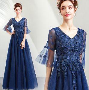 Elegante Marineblau Ballkleider 2019 A Linie V-Ausschnitt Perlenstickerei Kristall Spitze Blumen Applikationen 1/2 Ärmel Rückenfreies Lange Festliche Kleider