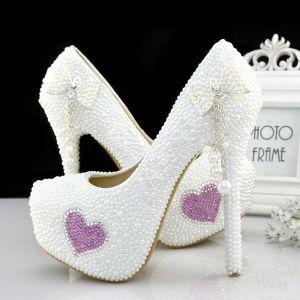 Lovely White Wedding Shoes 2019 Pearl Bow Tassel Rhinestone 14 cm Stiletto Heels Round Toe Wedding Pumps