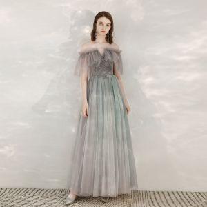 Charmant Grau Glanz Abendkleider 2020 A Linie Off Shoulder Strass Spitze Blumen Kurze Ärmel Rückenfreies Lange Festliche Kleider
