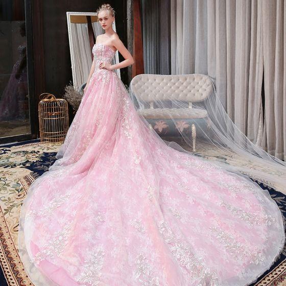 Snygga / Fina Godis Rosa Bröllopsklänningar 2018 Prinsessa Spets Appliqués Beading Paljetter Älskling Halterneck Ärmlös Cathedral Train Bröllop