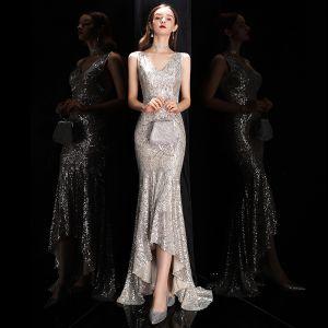 Glitzernden Silber Pailletten Abendkleider 2020 Meerjungfrau V-Ausschnitt Ärmellos Asymmetrisch Rückenfreies Festliche Kleider