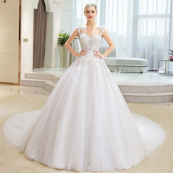Elegant Ivory Wedding Dresses 2018 Ball Gown Lace Appliques Pierced Scoop Neck Sleeveless Cathedral Train Wedding