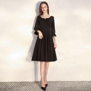 Prisvärd Svarta Hemkomst Studentklänningar 2020 Prinsessa Fyrkantig Ringning Pösigt 3/4 ärm Knälång Ruffle Halterneck Formella Klänningar