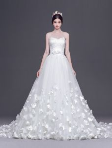 2015 A-line Princess Sweetheart Handmade Flowers Tailing Wedding Dress