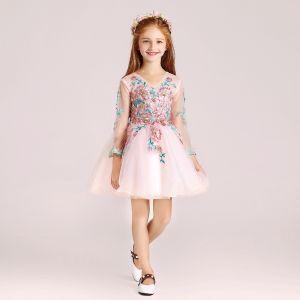 Schöne Pearl Rosa Mädchenkleider 2017 Ballkleid V-Ausschnitt Lange Ärmel Applikationen Mit Spitze Blumen Perle Strass Lange Rüschen Kleider Für Hochzeit