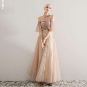 Elegante Champagner Ballkleider 2019 A Linie Rundhalsausschnitt Perlenstickerei Spitze Applikationen Rüschen Kurze Ärmel Rückenfreies Lange Festliche Kleider