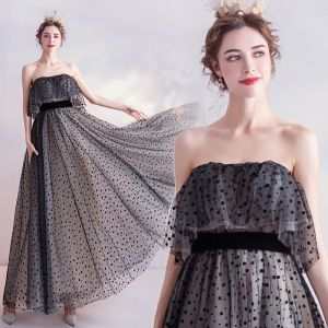 Chic / Beautiful Black Homecoming Spotted Graduation Dresses 2020 A-Line / Princess Strapless Sleeveless Backless Floor-Length / Long Formal Dresses